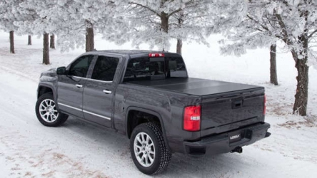 7 Best Tonneau Cover for GMC Sierra 1500 [Reviews & Buying Guide]